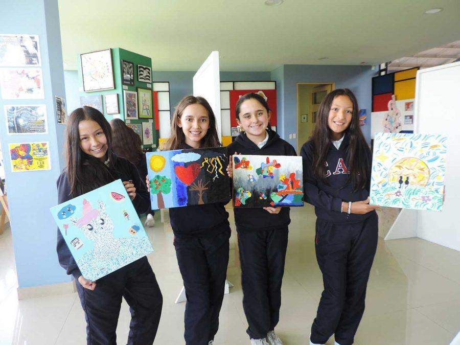 """Exposición de Artes Visuales  """"MAESTRA VIDA""""  Lo que más amamos del CAS  XXV Aniversario"""